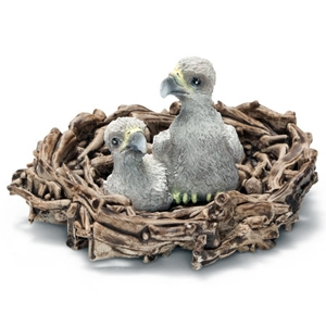 Baby-arenden in nest